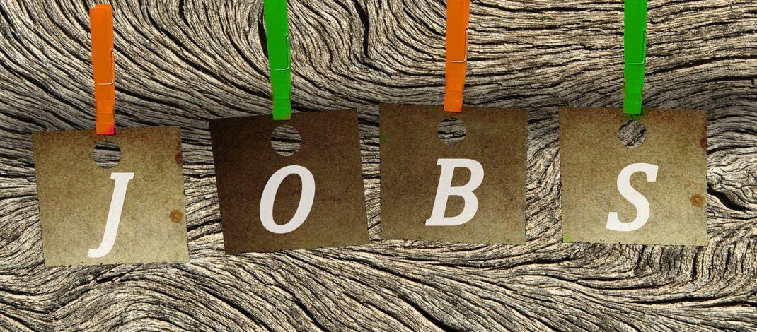 Mitarbeiterinnen/Mitarbeiter, für Aufgaben im Bereich der Hausverwaltung und der Disposition von Verpflegung bei Veranstaltungen gesucht